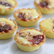 Baked Camembert and Raspberry Preserves Mini Tarts Recipe