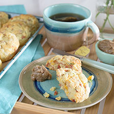Cheddar and Bacon Buttermilk Biscuits Recipe | Gourmet Food World