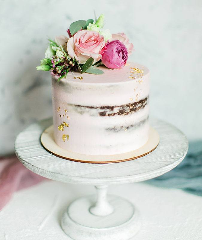 modern wedding cakes 2018 2018 wedding cake trends modern wedding cake designs 17480